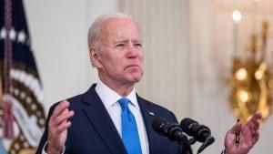 La industria farmacéutica carga contra Biden por su apoyo a retirar patentes