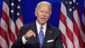 Votantes de Florida apoyan plan de Biden de pandemia, pero no de inmigración