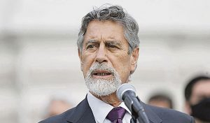 """El presidente de Perú afirma que algunos congresistas """"parecen chantajistas"""""""