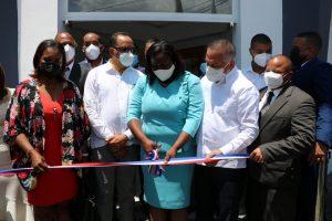 Consultor jurídico PE y presidente Fedomu encabezan inauguración edificio Alcaldía de Miches