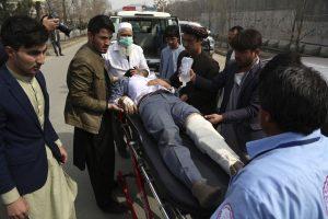 30 Muertos en un atentado contra una escuela femenina de una minoría en Kabul