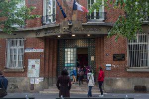 Francia continúa su lenta mejora de la situación hospitalaria por la covid-19