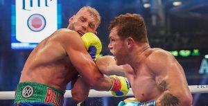 """(VIDEO) El """"Canelo"""" Álvarez vence a Saunders tras ocho asaltos y le quita su cinturón"""