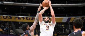 (VIDEO) Davis destroza a Suns y Lakers siguen en la lucha por sexto puesto