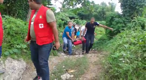 (VIDEO) Defensa Civil rescata cadáver de adolescente arrastrado por crecida del río Camú