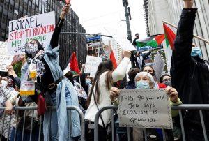 Cientos de personas se manifiestan en Nueva York en apoyo al pueblo palestino