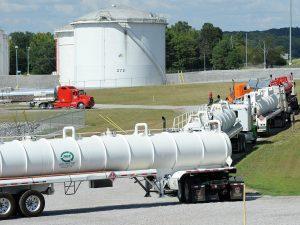 Precio de gasolina aumenta hasta tres centavos luego del ciberataque al oleoducto