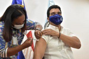 INAPA inicia jornada de vacunación contra el COVID-19 a sus colaboradores
