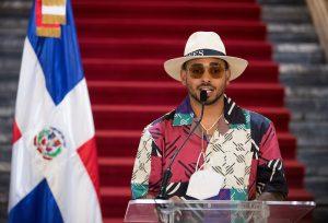 Ozuna visita el Palacio Nacional, menciona grandes proyectos y exhorta a vacunarse contra el covid