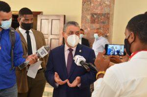 Vocero diputados PLD: Gobierno está abusando de pandemia firmando contratos irritantes