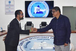 Directores de la Defensa Civil y del COE abordan temas sobre rol de ambas instituciones