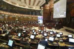 La alianza que auspició a Lasso en Ecuador se resquebraja en el Parlamento