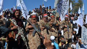 El Gobierno afgano y los talibanes retoman las hostilidades tras la tregua