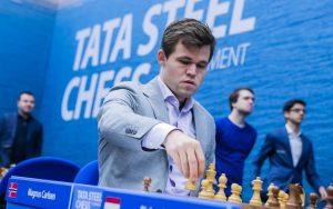 Carlsen y Nepomniachtchi en el primer torneo que reparte criptomonedas