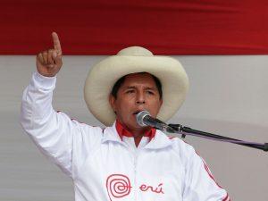 """Castillo modera discurso y propone """"cambio progresivo, pero profundo"""" en Perú"""