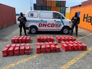 (VIDEO) Incautan otros 299 paquetes de presunta cocaína en puerto Caucedo que serían enviados a Barcelona