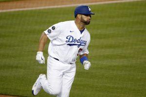 VIDEO: Albert Pujols conecta HR 673 y logra marca en triunfo de los Dodgers