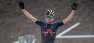 Thomas Pidcock se fractura la clavícula y es baja para la Vuelta a Suiza