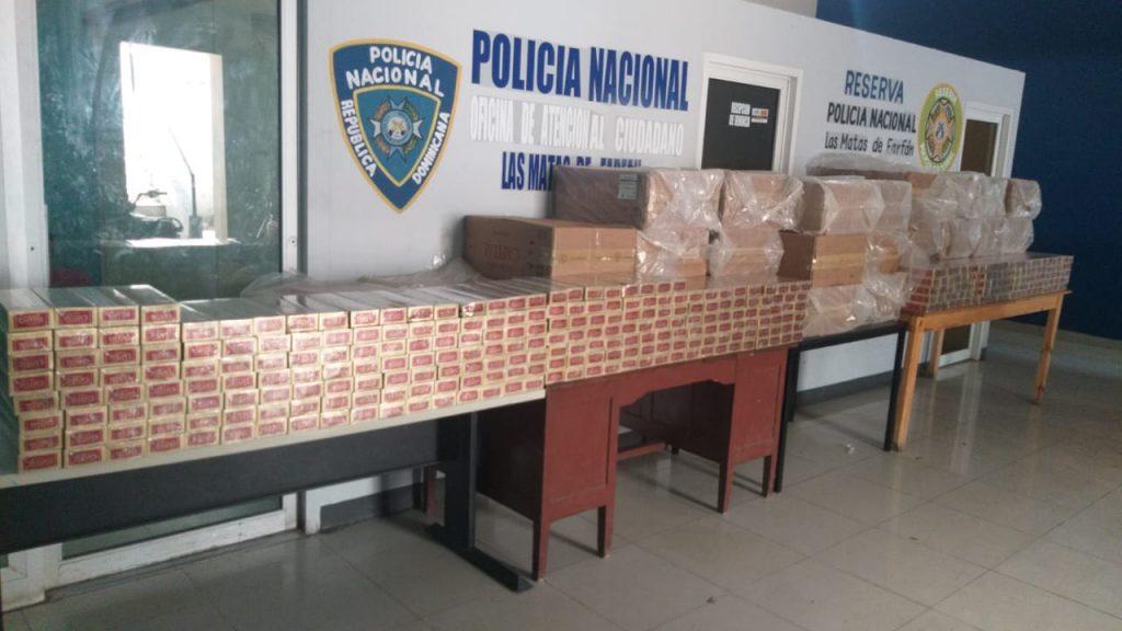 Policía ocupa 1,750 paquetes cigarrillos de contrabando