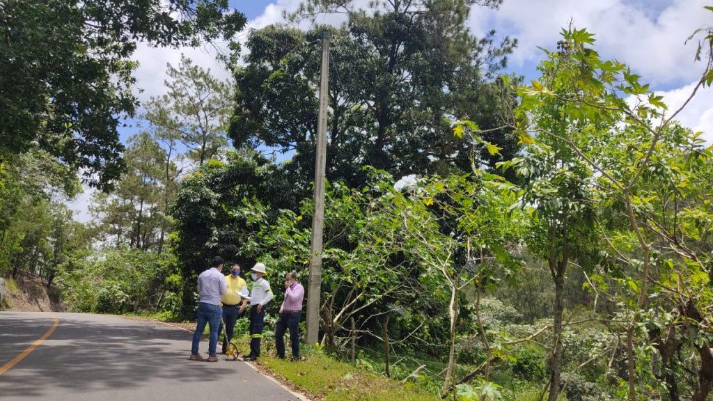EDENORTE ilumina recién inauguradas carreteras en Jarabacoa