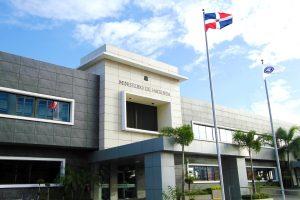 Solicitan a Hacienda informe sobre gestión de fondos cobrados por concepto de tarjetas de turismo