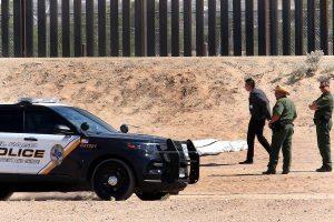 Muere migrante mexicano al caer del muro fronterizo en Texas