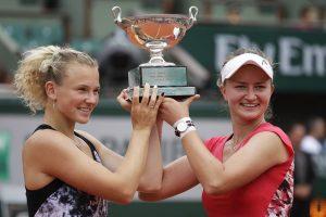 Krejcikova también gana el doble de Roland Garros