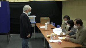 Cierran las urnas en Chile y comienza conteo de votos de comicios regionales