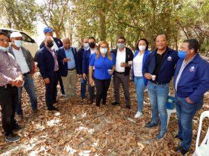 Director de la UERS y Gobernadora de Azua inauguran obra de electrificación en comunidad Ranchería