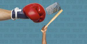 Multitud golpea con palos, piedras y trompadas a un supuesto ladrón