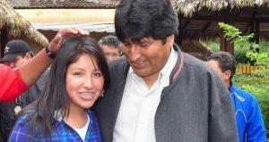 Polémica en Bolivia porque la hija de Evo Morales se vacunó antes de tiempo