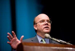 Congresista demócrata pide a Biden levantar las sanciones contra Venezuela