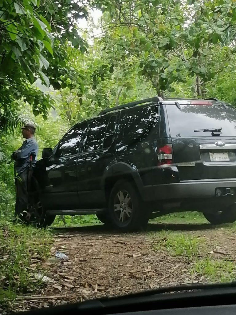 Acusan a exsenadora de Monte Plata de bloquear una vía pública