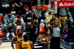 Clippers golpean con fuerza y empatan su serie de playoffs con el Jazz