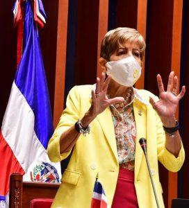 Ginette Bournigal lanza sus aspiraciones a presidencia del Senado