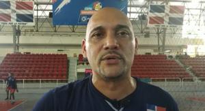 Amaury Martínez solicita a Miderec su reposición como entrenador de voleibol