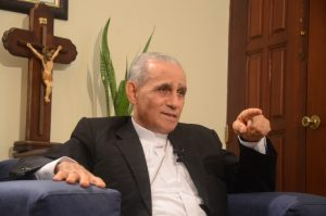 Monseñor Freddy Bretón publica dos nuevos libros