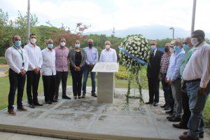 INTABACO celebra un nuevo aniversariode su fundación; depositan ofrenda floral