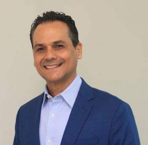 Senador Iván Silva propone responsabilizar a couriers de daños a mercancías