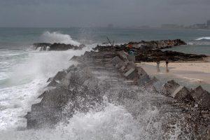 Potencial depresión tropical se extiende de México a costa sur de EEUU