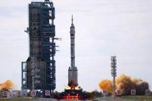 Estados Unidos felicita a China por lanzamiento al espacio de nave tripulada