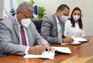 MAP y Pro Consumidor firman acuerdo para mejorar calidad de los servicios y lograr transparencia