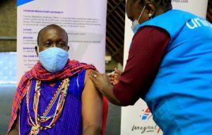 La covid-19 sigue al alza en África, con sólo el 0,79 % de la población vacunada