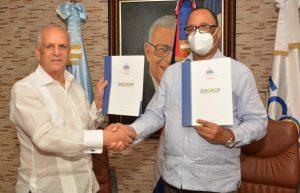 "IAD e IDECOOP firman acuerdo para ""cooperativizar"" los asentamientos agrarios a nivel nacional"