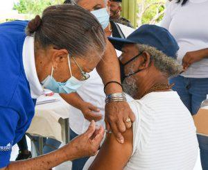 Inicia jornada de vacunación en Pedernales