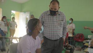 Bienes Nacionales apoya jornadas de vacunación en San Pedro de Macorís