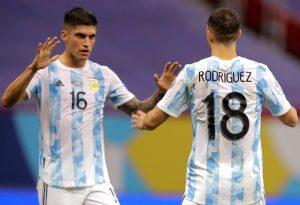 Con gol de Rodríguez, Argentina se lleva un intenso clásico rioplatense