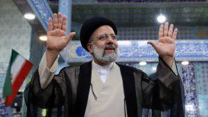 El ultraconservador Raisí elegido presidente de Irán con el 65 % de los votos