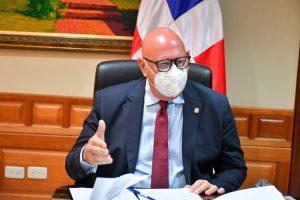 Grupo ciudadano entrega a senador de Samaná solicitud de aprobación Ley de Extinción de Dominio