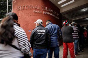 Colorados y liberales acaparan atención de comicios partidarios en Paraguay
